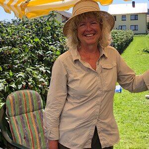Himbeerfeld mit Ingrid Hülskemper-Toews