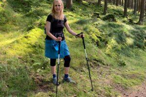Andrea Maria Bokler beim Wandern am Rothaarsteig